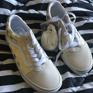 Womens vans size 5 nwt gold checkered